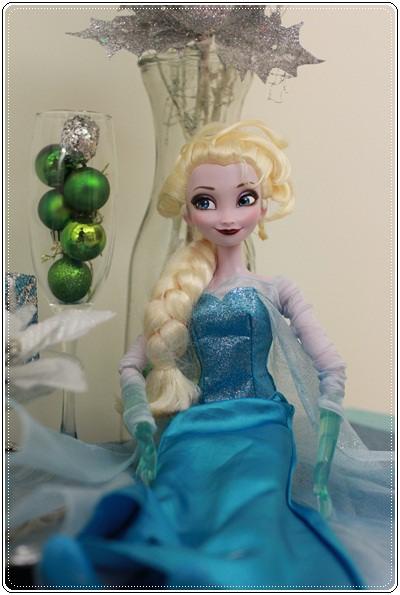 【小猴媽❤大創】聖誕節ㄟ居家佈置。拉哩溝~拉哩溝~歡迎來到艾莎女王的冰雪世界 (17).JPG