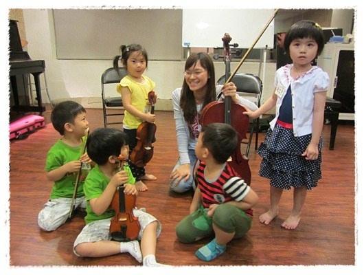 ﹝3Y9M3W3D﹞暢遊音樂王國 第一堂『小提琴與大提琴』@音樂理想國 (19)