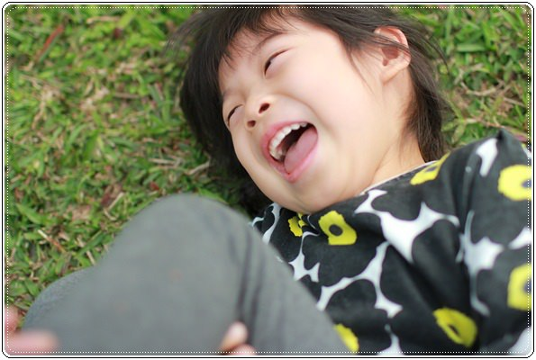 【小猴媽❤大創】 宛如夢幻婚禮般的粉嫩春日野餐 at 南港公園 (45).JPG