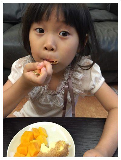 ﹝試吃﹞艾波索黑金磚 無限乳酪(原味)+芒果乳酪 (18).jpg