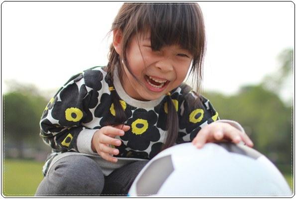 【小猴媽❤大創】 宛如夢幻婚禮般的粉嫩春日野餐 at 南港公園 (110).JPG