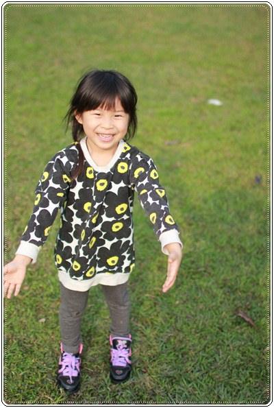 【小猴媽❤大創】 宛如夢幻婚禮般的粉嫩春日野餐 at 南港公園 (91).JPG