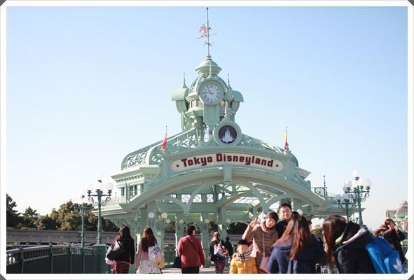 2015冬遊日本。東京迪士尼樂園之安娜與艾莎的冰雪夢幻 (16).JPG