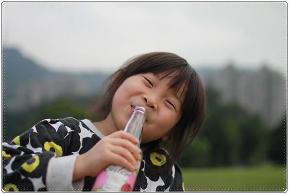 【小猴媽❤大創】 宛如夢幻婚禮般的粉嫩春日野餐 at 南港公園 (119).JPG