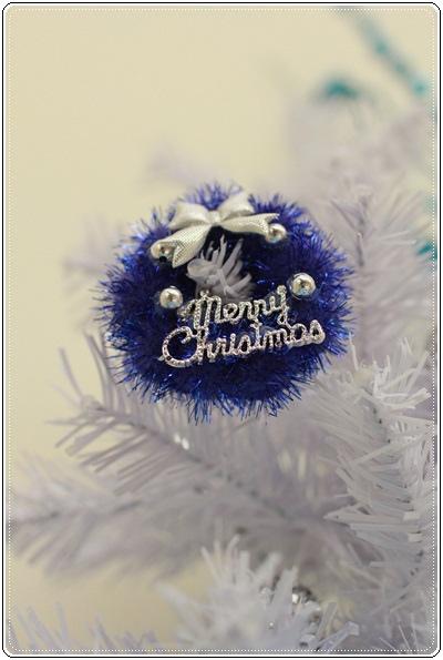 【小猴媽❤大創】聖誕節ㄟ居家佈置。拉哩溝~拉哩溝~歡迎來到艾莎女王的冰雪世界 (23).JPG