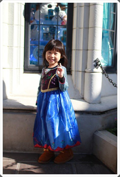 2015冬遊日本。東京迪士尼樂園之安娜與艾莎的冰雪夢幻 (38).JPG