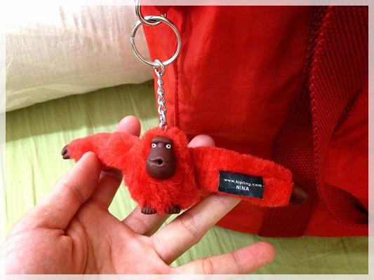 我不去找它,它自己就默默走上來的母親節禮物◎kipling猩猩包 (5)