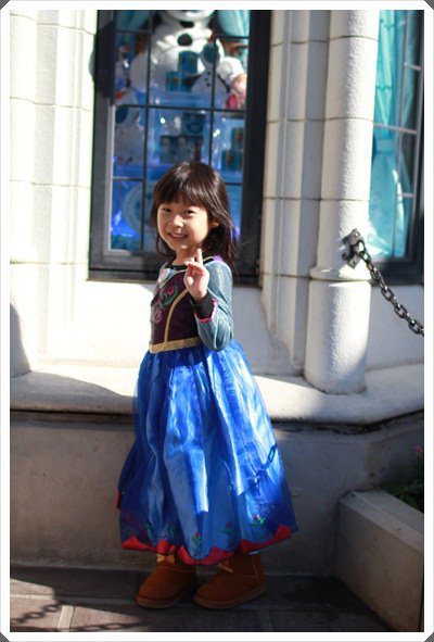 2015冬遊日本。東京迪士尼樂園之安娜與艾莎的冰雪夢幻 (37).JPG
