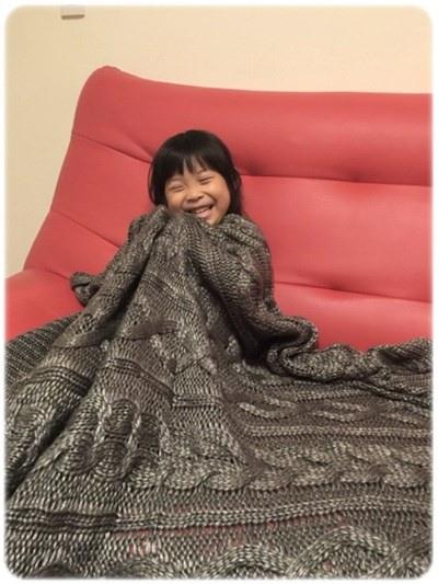 【小猴媽❤佈置】HOLA。溫暖直通心房的HH金屬光澤編織毯 (8).jpg