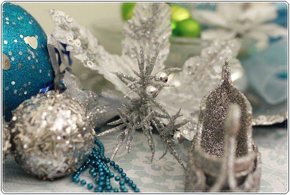 【小猴媽❤大創】聖誕節ㄟ居家佈置。拉哩溝~拉哩溝~歡迎來到艾莎女王的冰雪世界 (19).JPG