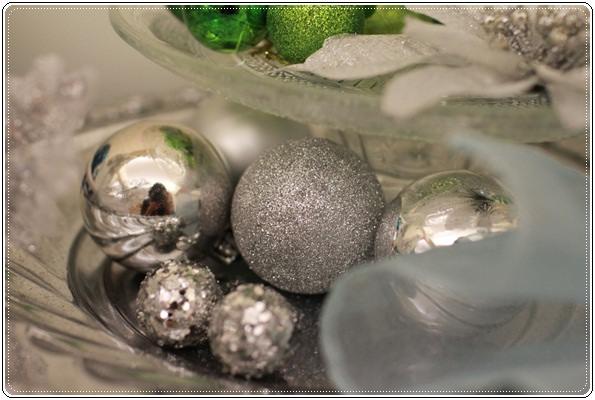 【小猴媽❤大創】聖誕節ㄟ居家佈置。拉哩溝~拉哩溝~歡迎來到艾莎女王的冰雪世界 (20).JPG