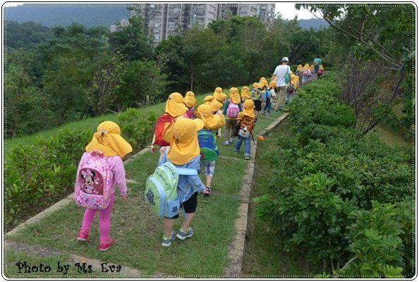 【小猴媽❤大創】 宛如夢幻婚禮般的粉嫩春日野餐 at 南港公園 (171).JPG