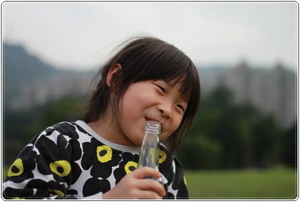 【小猴媽❤大創】 宛如夢幻婚禮般的粉嫩春日野餐 at 南港公園 (120).JPG