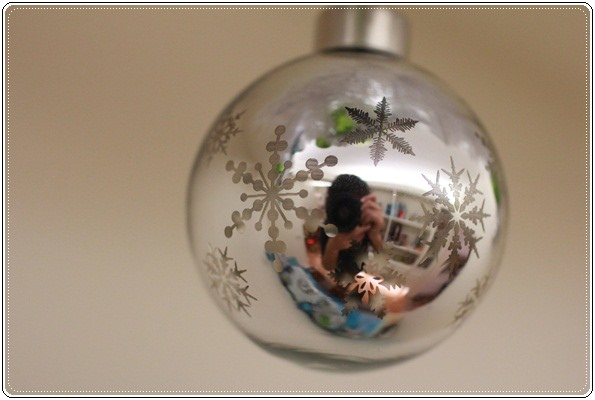 【小猴媽❤大創】聖誕節ㄟ居家佈置。拉哩溝~拉哩溝~歡迎來到艾莎女王的冰雪世界 (9).JPG