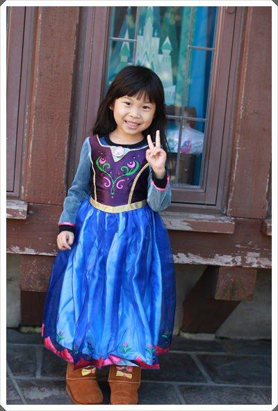 2015冬遊日本。東京迪士尼樂園之安娜與艾莎的冰雪夢幻 (35).JPG