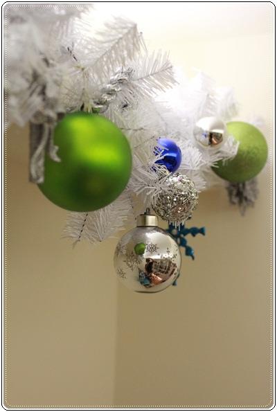 【小猴媽❤大創】聖誕節ㄟ居家佈置。拉哩溝~拉哩溝~歡迎來到艾莎女王的冰雪世界 (14).JPG
