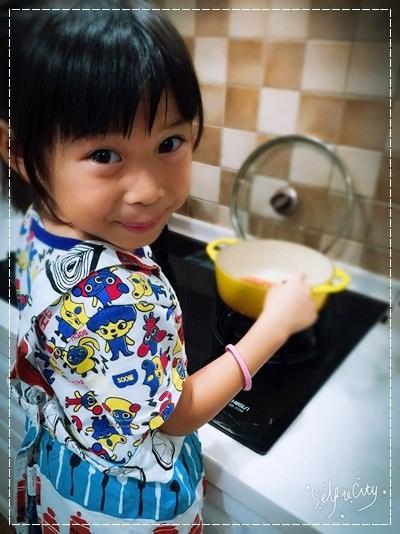 【親子。小廚房】漫長暑假是培養小小廚神的大好時機!! (24).jpg