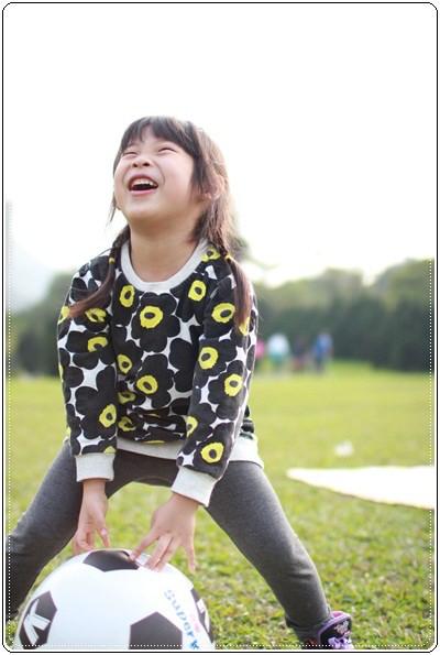 【小猴媽❤大創】 宛如夢幻婚禮般的粉嫩春日野餐 at 南港公園 (84).JPG