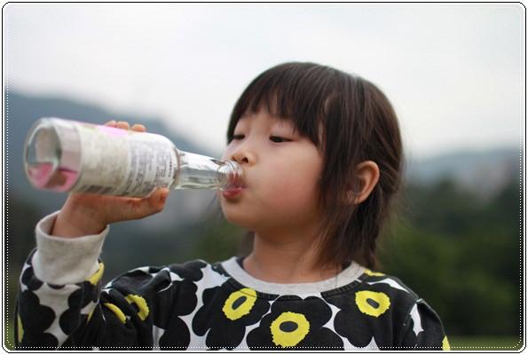 【小猴媽❤大創】 宛如夢幻婚禮般的粉嫩春日野餐 at 南港公園 (117).JPG