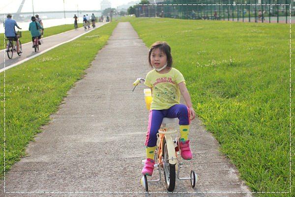 ﹝4Y8M4W2D﹞美堤河濱公園騎單車去 (40)