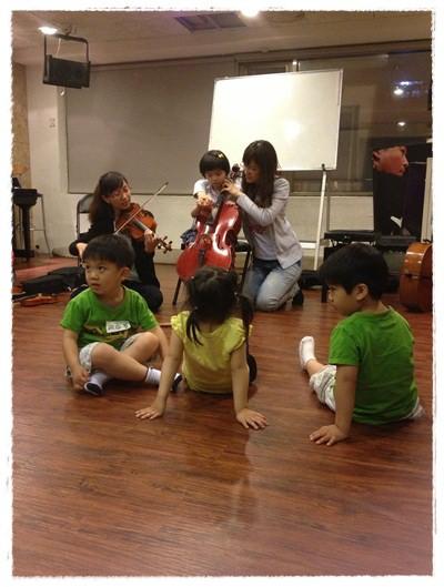 ﹝3Y9M3W3D﹞暢遊音樂王國 第一堂『小提琴與大提琴』@音樂理想國 (37)