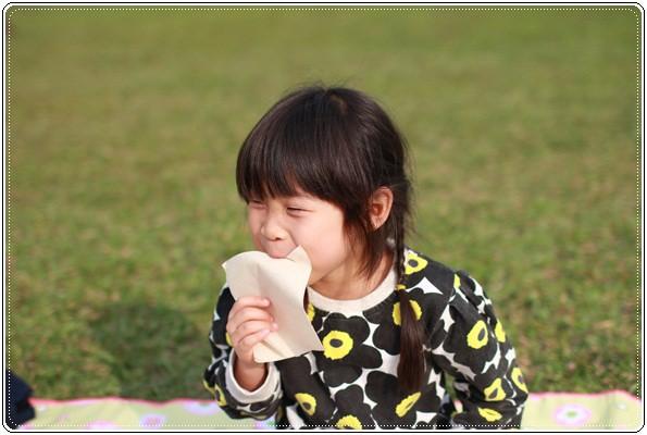 【小猴媽❤大創】 宛如夢幻婚禮般的粉嫩春日野餐 at 南港公園 (67).JPG