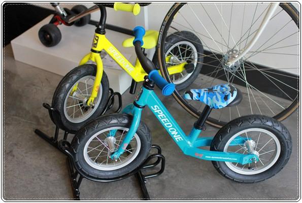 滑板車界ㄟ超跑◎瑞士Micro Maxi T-bar就在捷世樂單車休閒 JESLER BICYCLES (29)