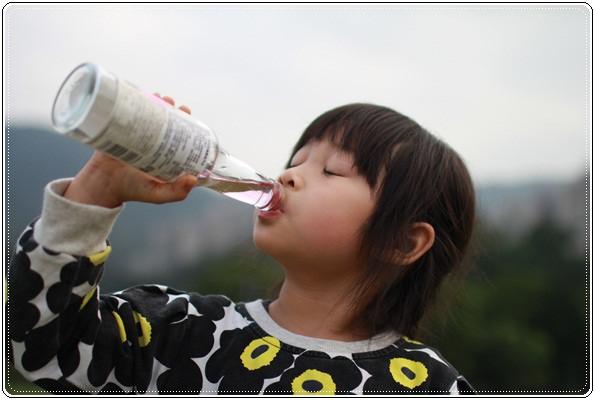 【小猴媽❤大創】 宛如夢幻婚禮般的粉嫩春日野餐 at 南港公園 (118).JPG