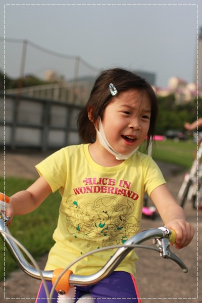 ﹝4Y8M4W2D﹞美堤河濱公園騎單車去 (20)