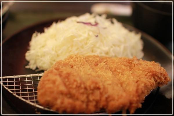 ﹝3Y10M1W6D﹞到底是來吃飯還是拍寫真集啊!@福勝亭TONKATSU日式豬排專賣 (40)