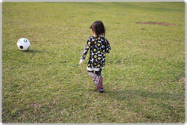【小猴媽❤大創】 宛如夢幻婚禮般的粉嫩春日野餐 at 南港公園 (95).JPG
