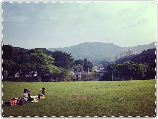 【小猴媽❤大創】 宛如夢幻婚禮般的粉嫩春日野餐 at 南港公園 (7).jpg
