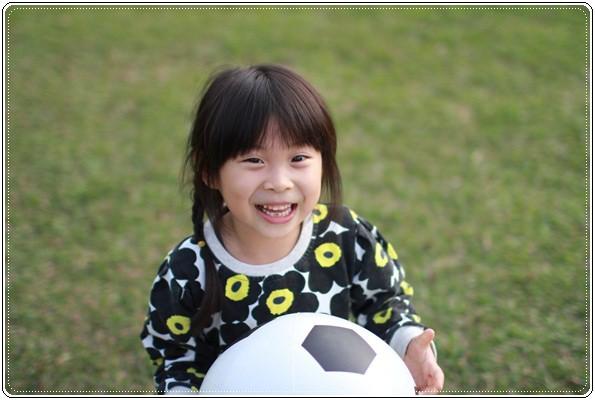 【小猴媽❤大創】 宛如夢幻婚禮般的粉嫩春日野餐 at 南港公園 (80).JPG