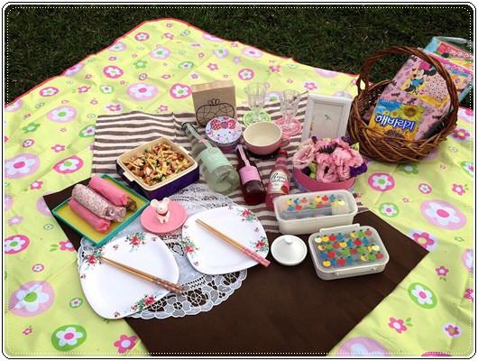 【小猴媽❤大創】 宛如夢幻婚禮般的粉嫩春日野餐 at 南港公園 (186)