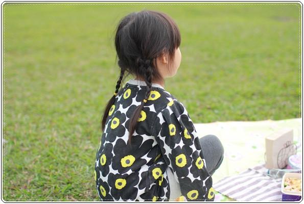 【小猴媽❤大創】 宛如夢幻婚禮般的粉嫩春日野餐 at 南港公園 (26).JPG