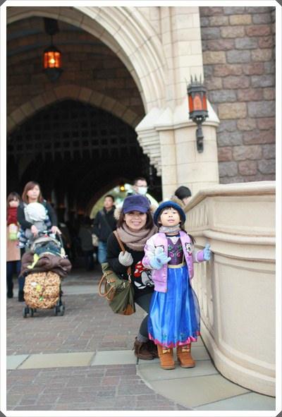 2015冬遊日本。東京迪士尼樂園之安娜與艾莎的冰雪夢幻 (82).JPG