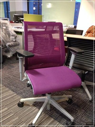 【小猴媽❤佈置】要舒適還是要外觀!宅男工程師最愛的OA辦公椅之選擇~鷹牌專業級椅群 THE OLDEST EAGLE BRITISH (9)