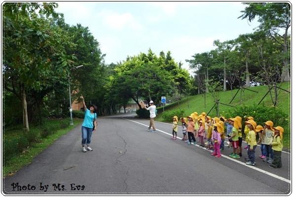【小猴媽❤大創】 宛如夢幻婚禮般的粉嫩春日野餐 at 南港公園 (172).JPG