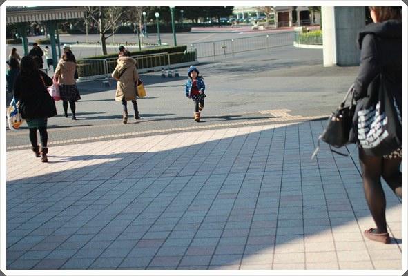 2015冬遊日本。東京迪士尼樂園之安娜與艾莎的冰雪夢幻 (18).JPG