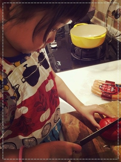 【親子。小廚房】漫長暑假是培養小小廚神的大好時機!! (9).jpg