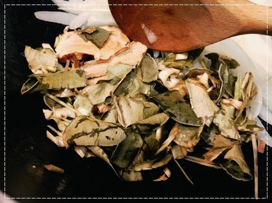 夏天的無敵開胃聖品。deSIAM泰式咖哩膏調理醬包~帶去露營十分方便呢!!一包在手;便利無窮 (7).jpg