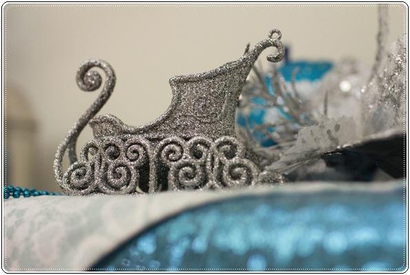 【小猴媽❤大創】聖誕節ㄟ居家佈置。拉哩溝~拉哩溝~歡迎來到艾莎女王的冰雪世界 (22).JPG