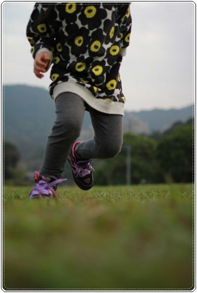 【小猴媽❤大創】 宛如夢幻婚禮般的粉嫩春日野餐 at 南港公園 (115).JPG
