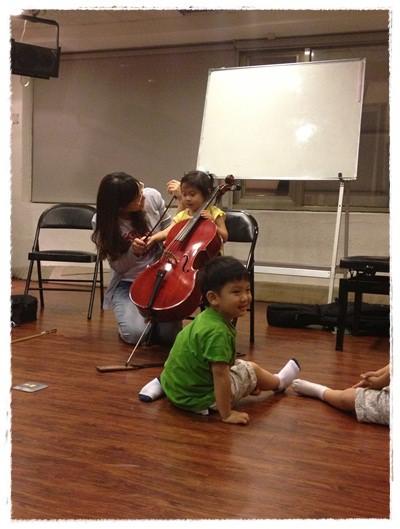 ﹝3Y9M3W3D﹞暢遊音樂王國 第一堂『小提琴與大提琴』@音樂理想國 (39)