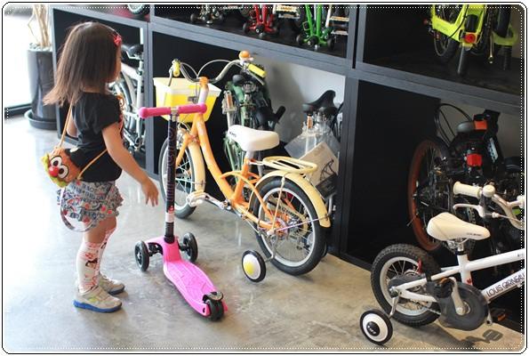 滑板車界ㄟ超跑◎瑞士Micro Maxi T-bar就在捷世樂單車休閒 JESLER BICYCLES (27)