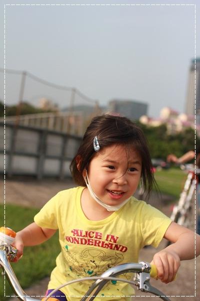 ﹝4Y8M4W2D﹞美堤河濱公園騎單車去 (21)
