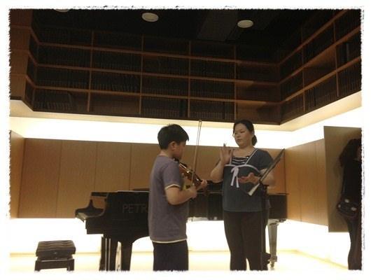 ﹝3Y9M3W3D﹞暢遊音樂王國 第一堂『小提琴與大提琴』@音樂理想國 (28)