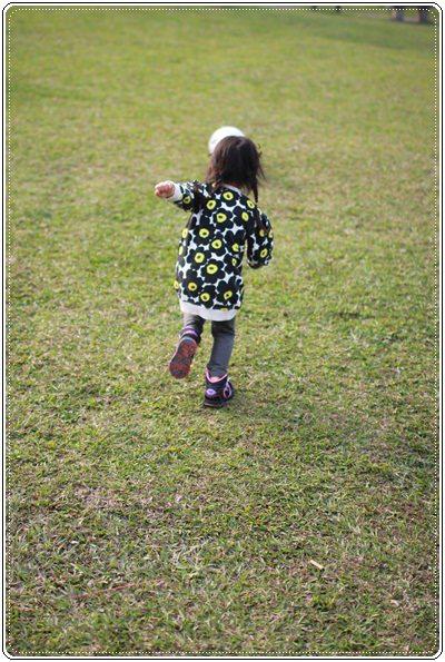 【小猴媽❤大創】 宛如夢幻婚禮般的粉嫩春日野餐 at 南港公園 (99).JPG