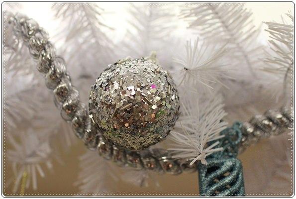 【小猴媽❤大創】聖誕節ㄟ居家佈置。拉哩溝~拉哩溝~歡迎來到艾莎女王的冰雪世界 (12).JPG