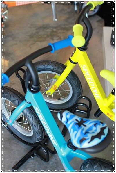 滑板車界ㄟ超跑◎瑞士Micro Maxi T-bar就在捷世樂單車休閒 JESLER BICYCLES (21)